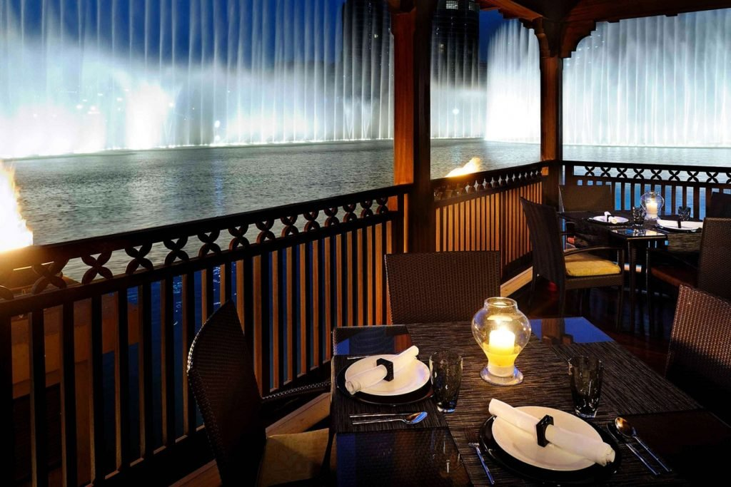 مطعم ثيبتارا Thiptara من ارقى المطاعم المطله على نافورة دبي
