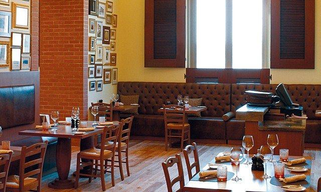صورة مطعم صقلية في فندق موڨنبيك