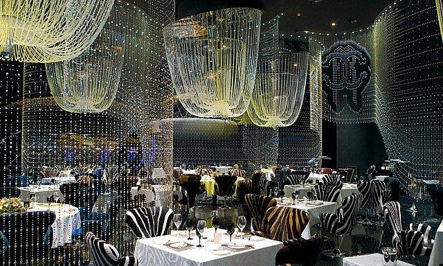 صورة نادي ومطعم كافالي في فندق فيرمونت