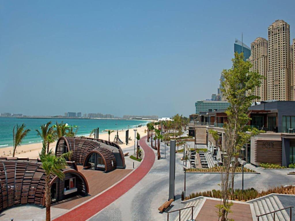شاطئ ذا بيتش احد شواطئ دبي العامة