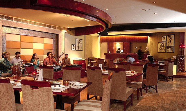 مطعم ذا بومباي من افضل مطاعم هندية في دبي