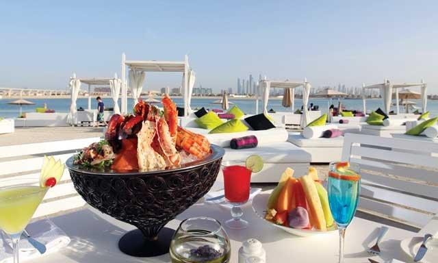 شاطئ ناسيمي مطاعم على البحر في دبي