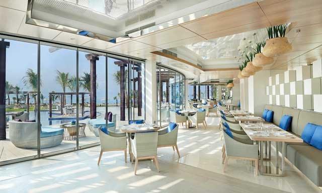 بالم أفينيو مطاعم على البحر في دبي