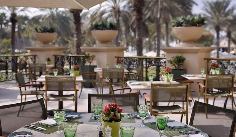 صورة مطعم أوليفز في فندق ون أند أونلي رويال ميراج