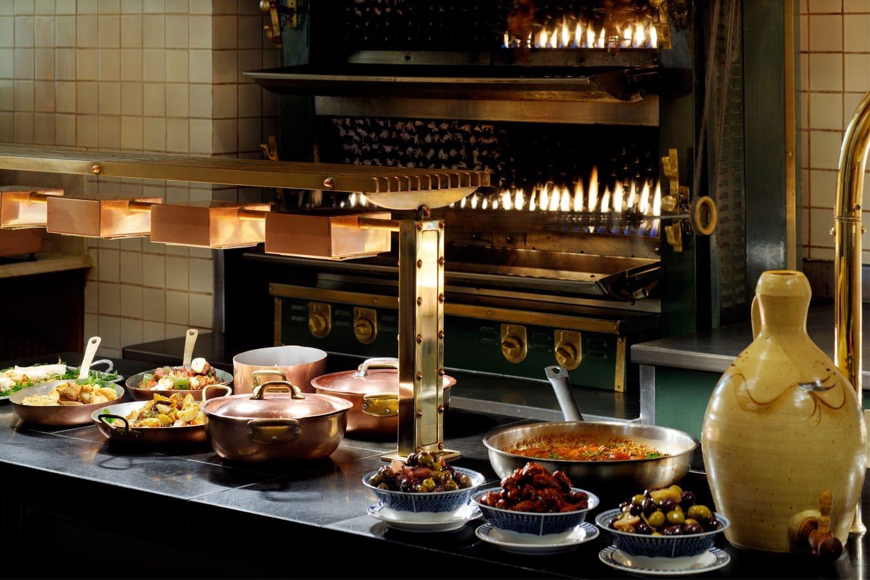 صورة مطعم ذا روتيسيري في فندق ون أند أونلي رويال ميراج