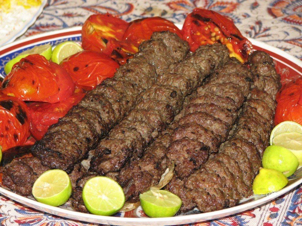 صورة مطعم كبابي للمأكولات الإيرانية