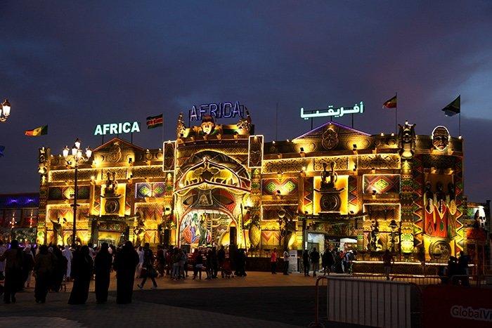 القرية العالمية من أبرز المعالم السياحية في دبي