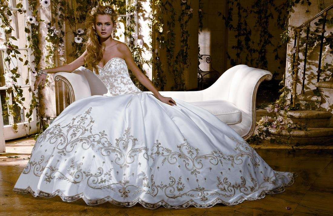 صورة أفضل 8 أماكن لفساتين الزفاف والسهرة في دبي