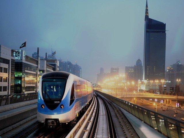 كيفية استخدام مترو دبي