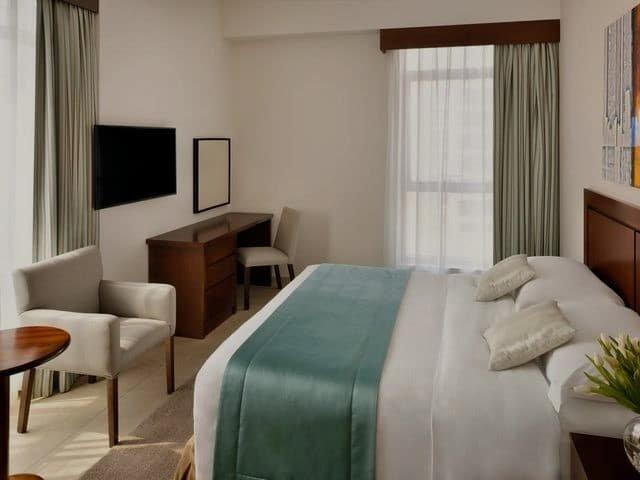 فندق موفنبيك بر دبي أحد أشهر الفنادق الفاخرة بمنطقة بر دبي