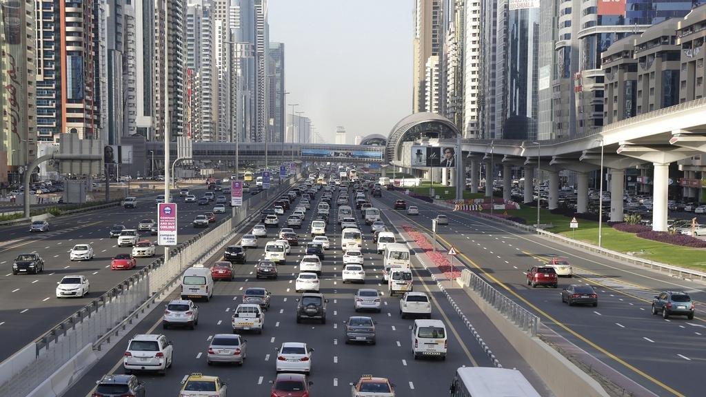 صورة اسعار وتفاصيل تجديد رخصة القيادة دبي 2020