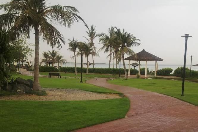 سعر دخول شاطئ نادي دبي للسيدات