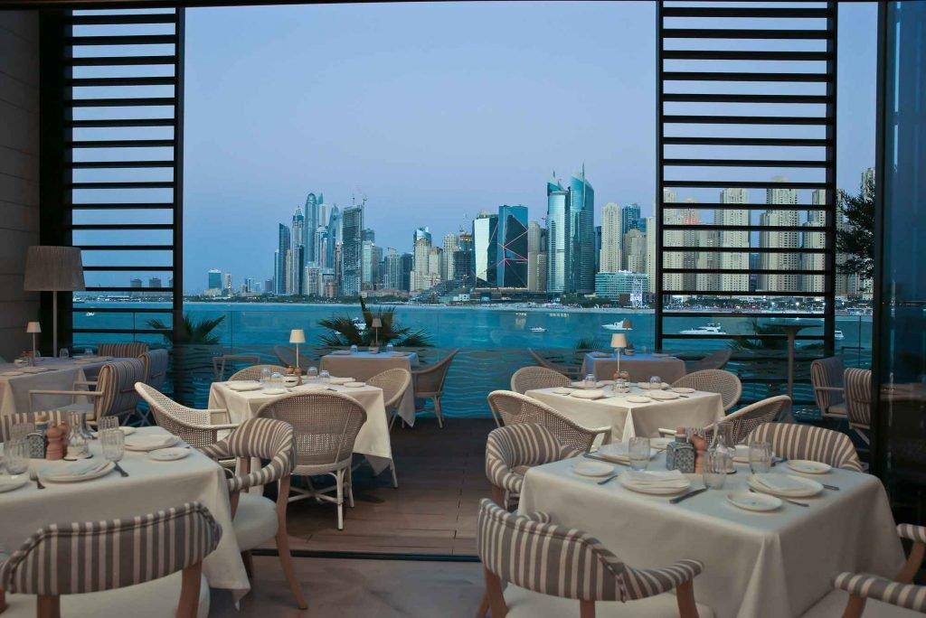 يعد مطعم اسمى من أفضل مطاعم جديدة في دبي لعام 2020