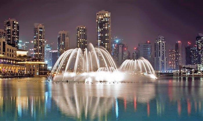 المطاعم المطلة على نافورة دبي