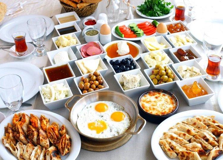 مطاعم دبي للفطور