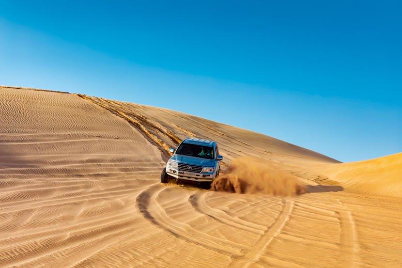 القيادة على الكثبان الرملية
