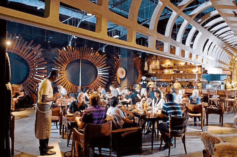 Emirates Mall restaurants